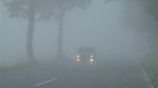 Những lưu ý khi lái xe trong sương mù