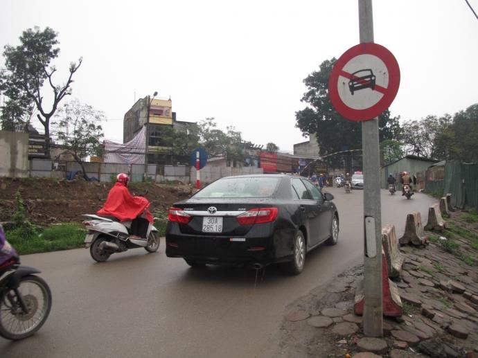 Lỗi phạt ô tô đi vào đường cấm