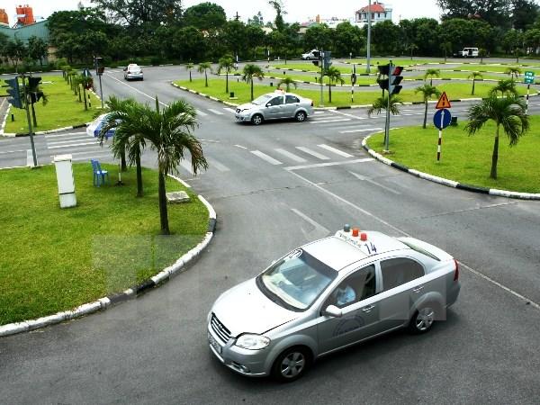 Khóa học lái xe ô tô B2