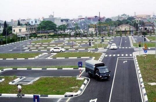 trung tâm đào tạo lái xe ô tô