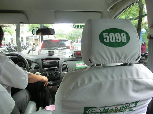 Học bằng lái xe taxi