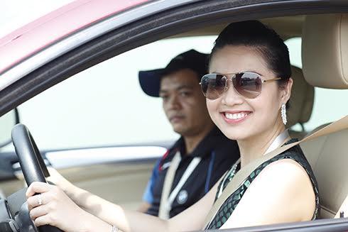 kinh nghiệm lái xe an toàn cho phái đẹp