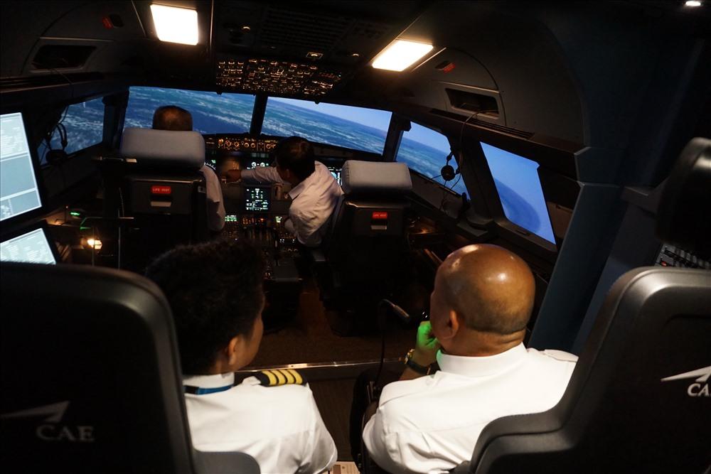 học lái máy bay mô phỏng